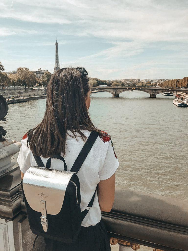 Paris travel guide bridge